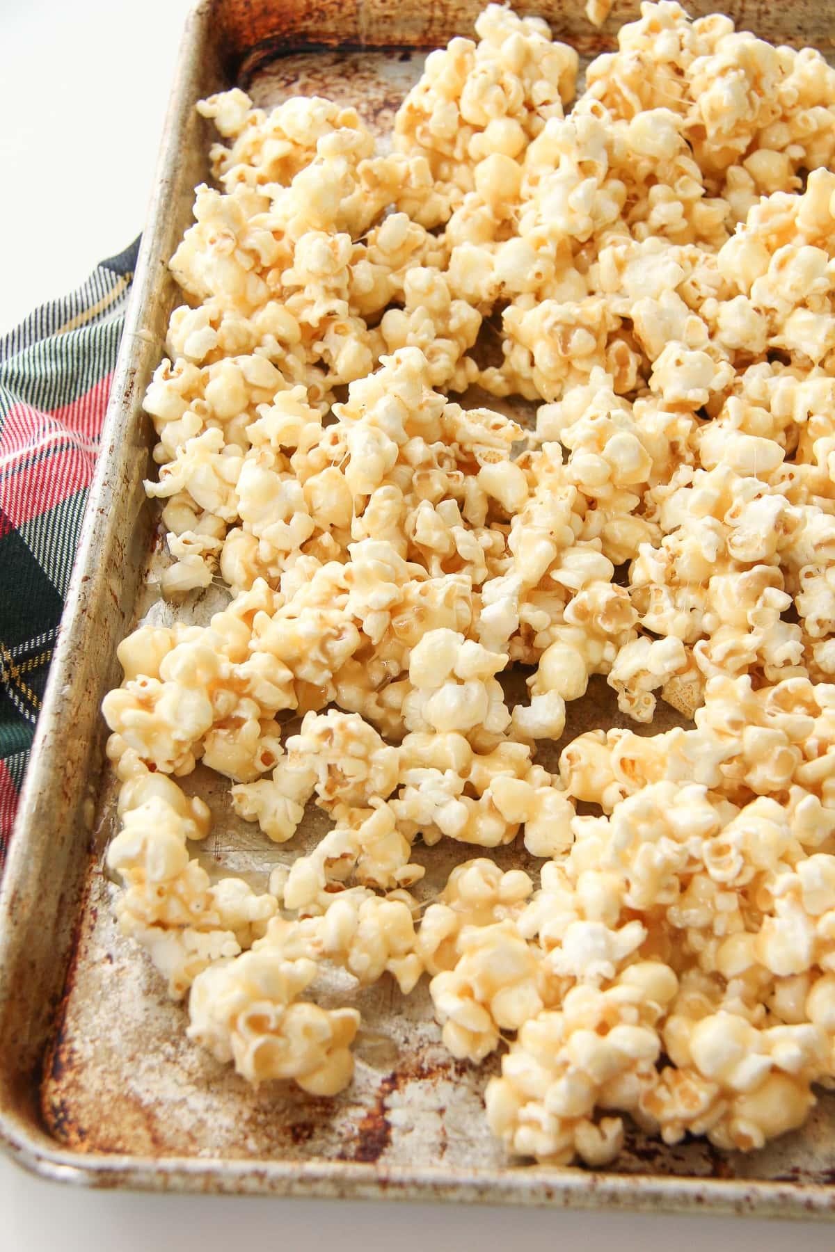 caramel-crunch-popcorn-1