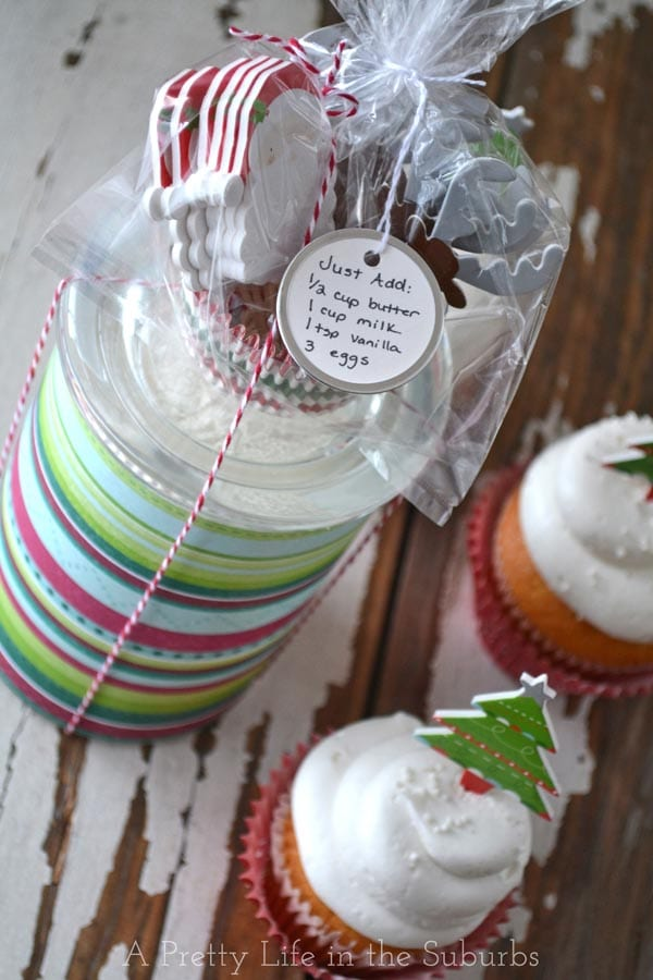 Very Merry Cupcake Gifts!  {A Pretty Life}