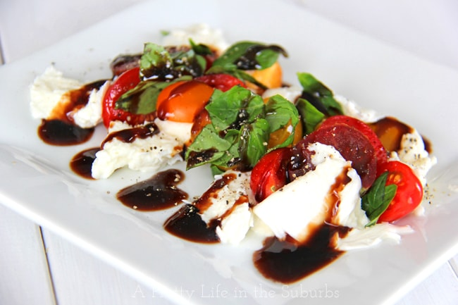 Easy Caprese Salad {A Pretty Life}