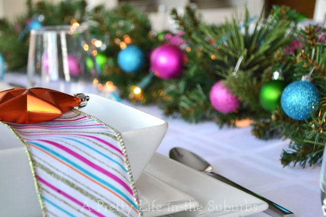 Colourful-Christmas-Table-Setting-6{A-Pretty-Life}