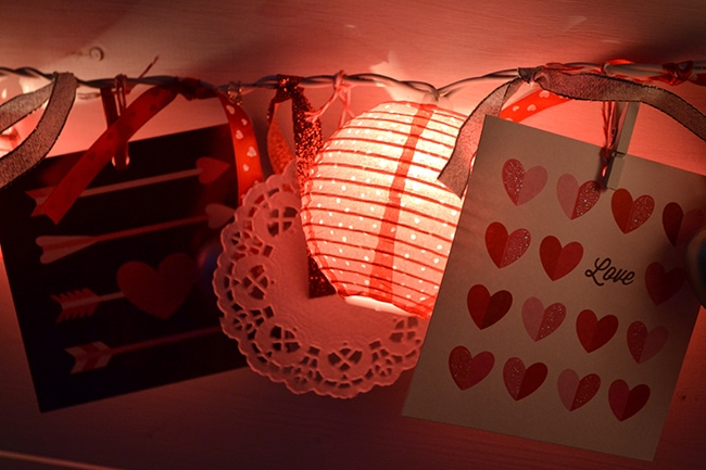 Easy Valentines Love Light Garland