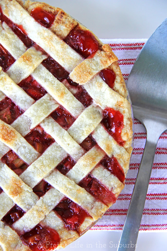Strawberry-Rhubarb-Pie-{A-Pretty-Life}
