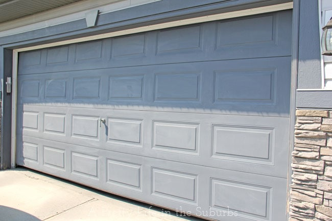 Painting a Garage Door {A Pretty Life}