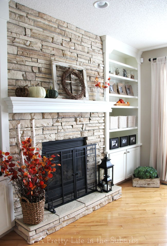 Captivating Fall Living Room 3{A Pretty Life}