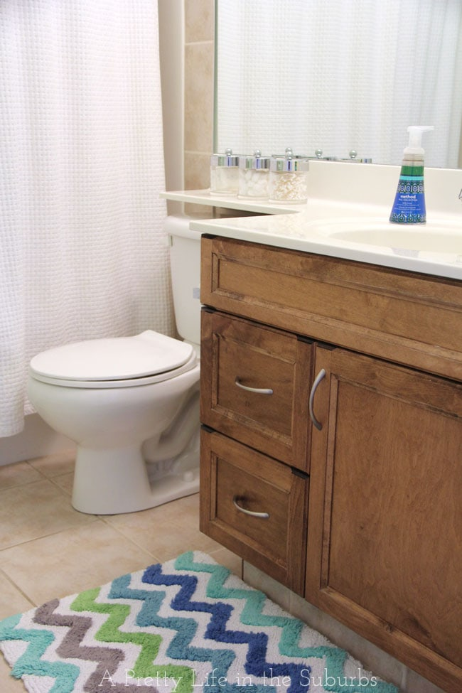Budget Friendly Kids Bathroom Makeover {A Pretty Life}