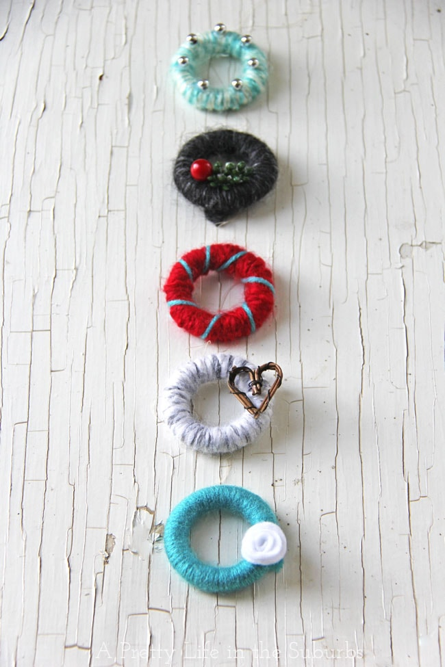 Mini Yarn Wreath Christmas Tree Ornaments {A Pretty Life}