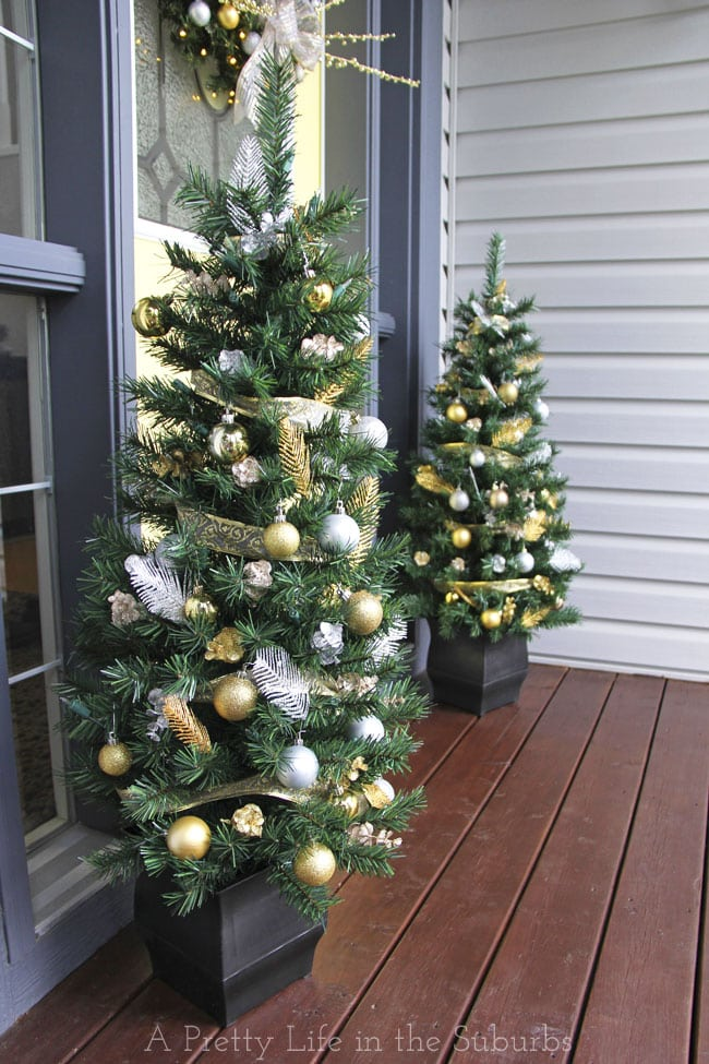 Silver-and-Gold-Christmas-Porch-1a{A-Pretty-Life}
