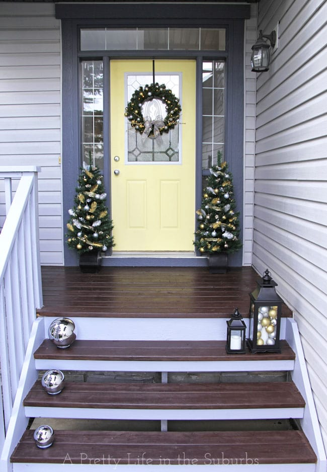 Silver-and-Gold-Christmas-Porch-6{A-Pretty-Life}