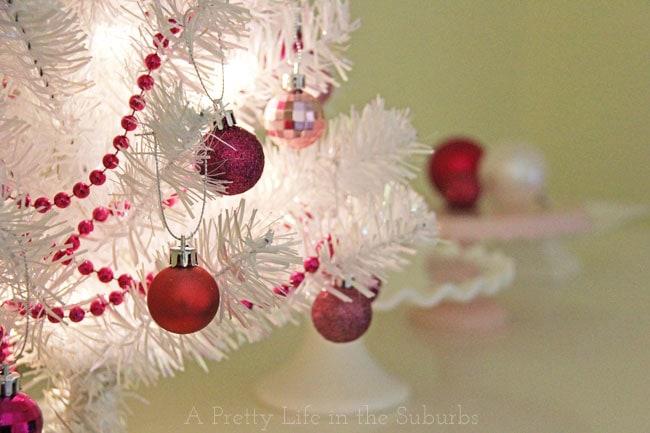 Merry & Bright Christmas Home Tour {A Pretty Life}