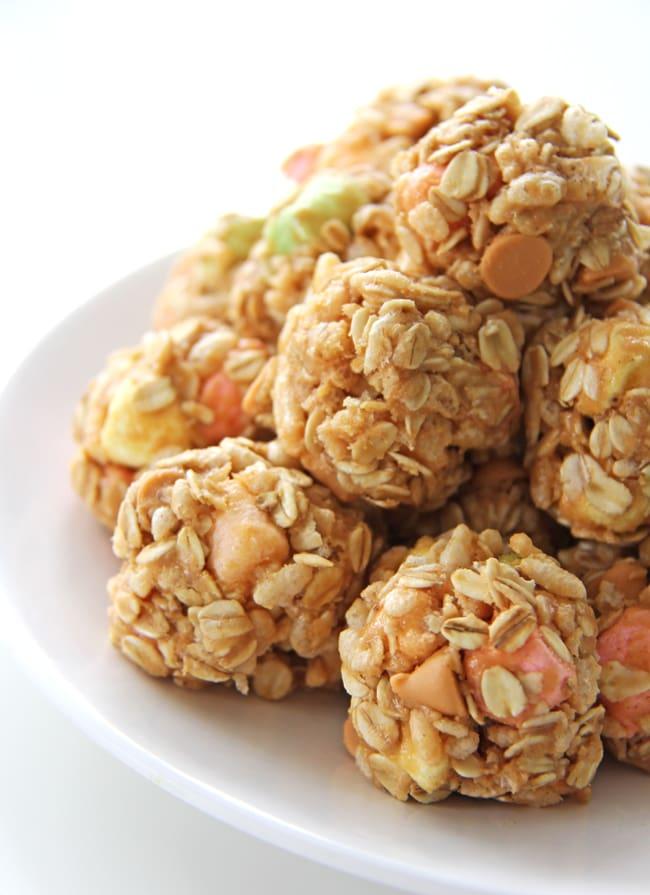 Confetti Peanut Butter Snack Bites {A Pretty Life}