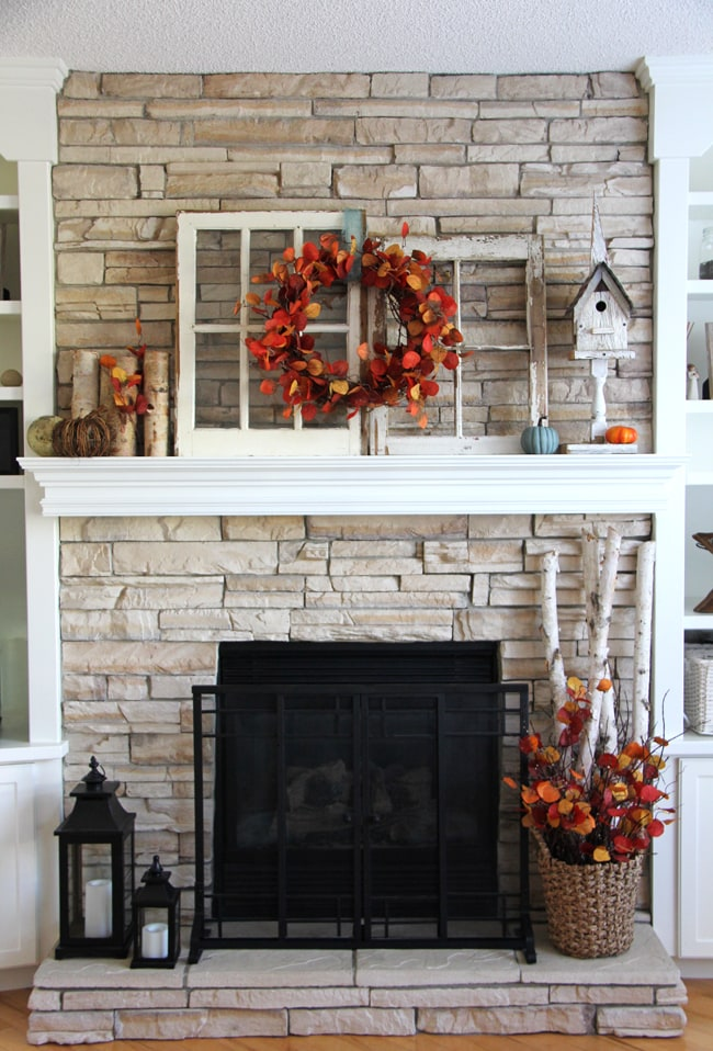 Fall Mantel {A Pretty Life}