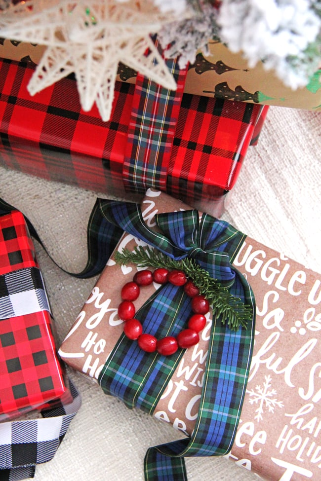 Traditional and Festive Gift Wrapping Ideas