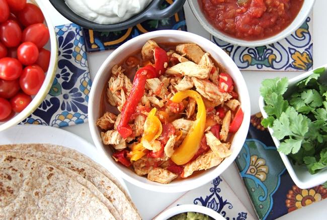 Slow Cooker / Crockpot Chicken Fajitas {A Pretty Life}