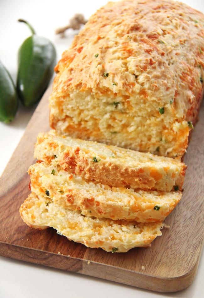Jalapeno Cheddar Quick Bread {A Pretty Life}2