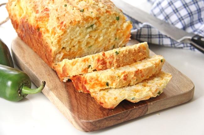 Jalapeno Cheddar Quick Bread {A Pretty Life}4