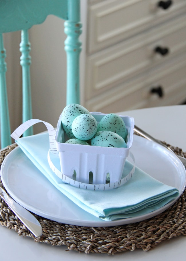 Robin's Egg Blue Easter Table Setting {A Pretty Life}4