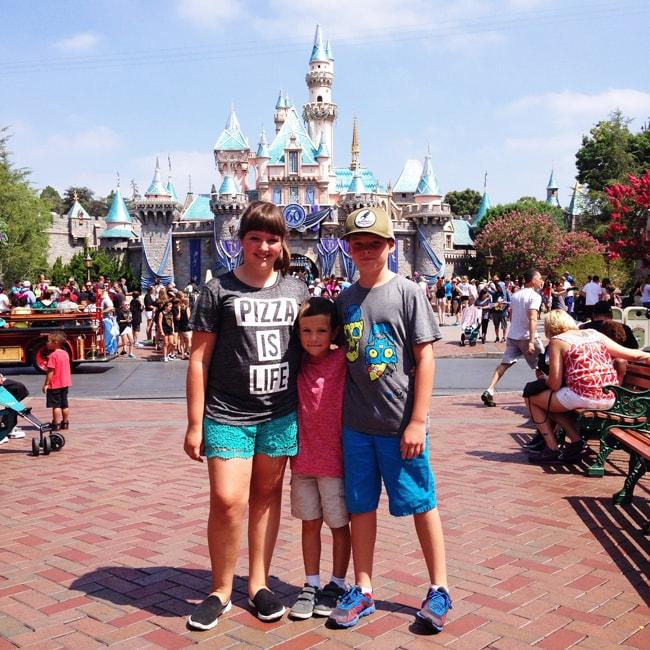 Tips for Visiting Disneyland, California 2