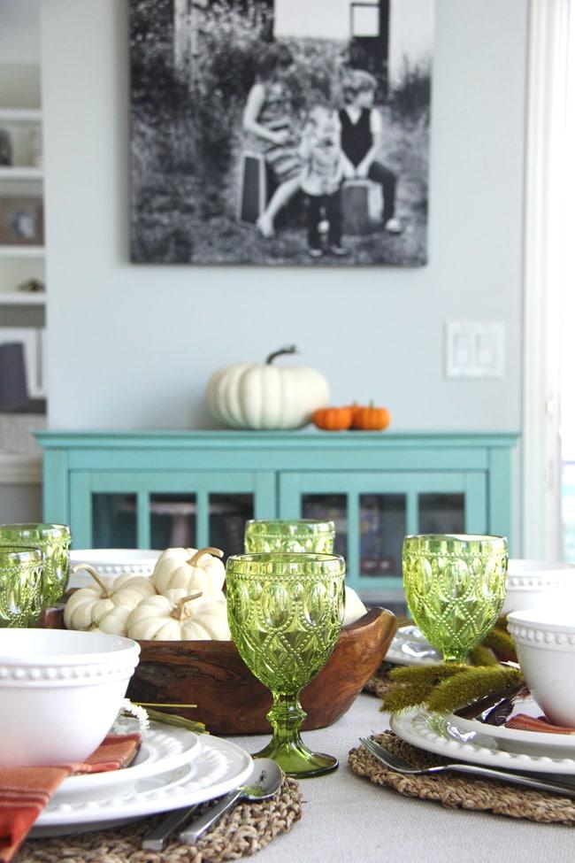 A Fall Table Setting {A Pretty Life}