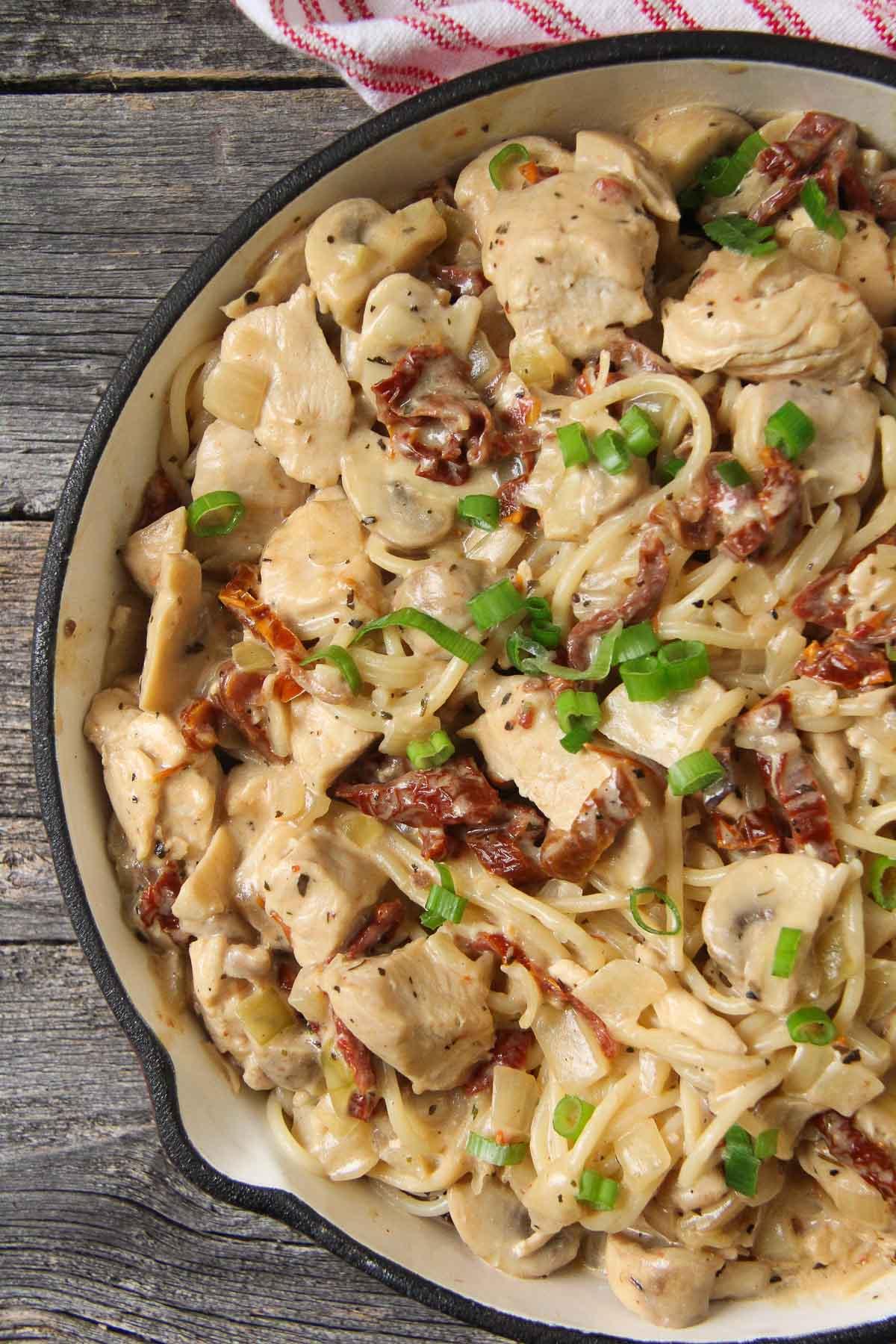 Creamy Basil Chicken Pasta {A Pretty Life}