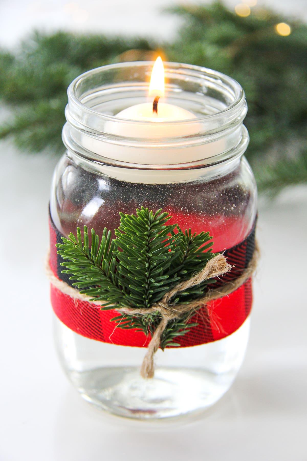 5-minute-christmas-mason-jar-candle-6