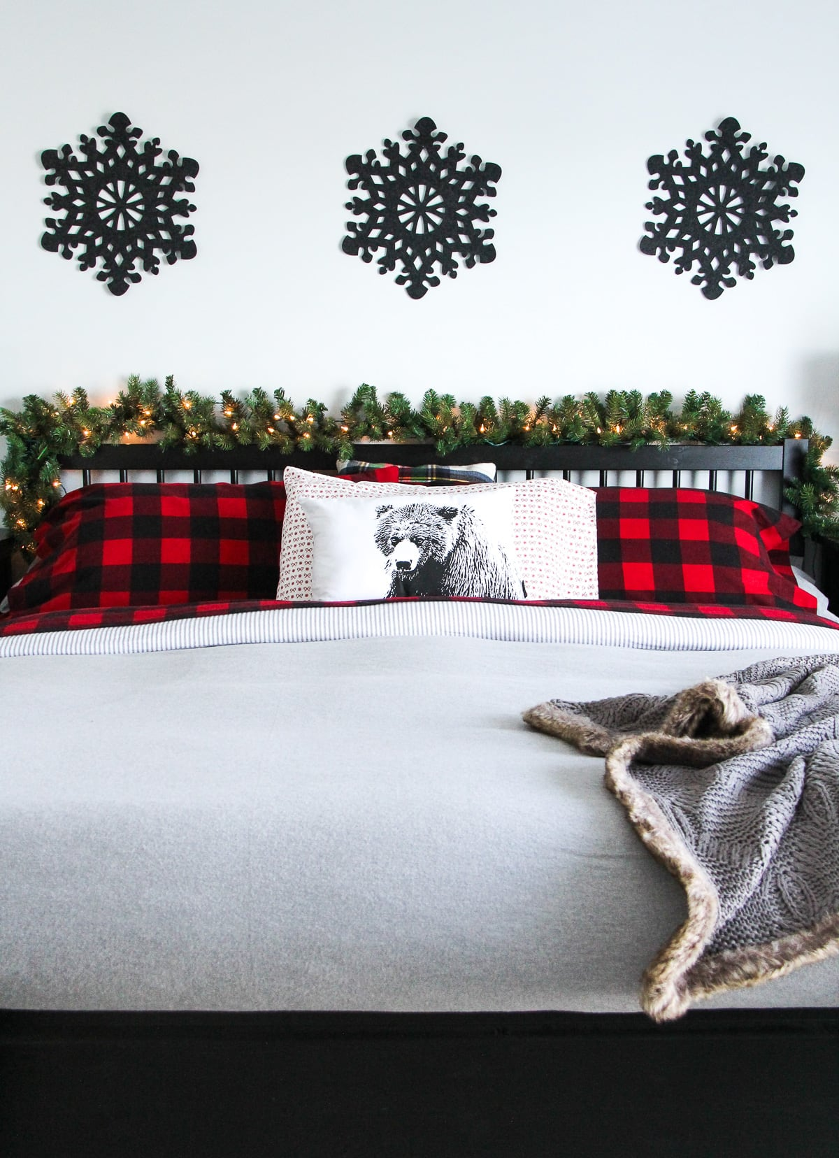 Cozy and Warm Christmas Bedroom