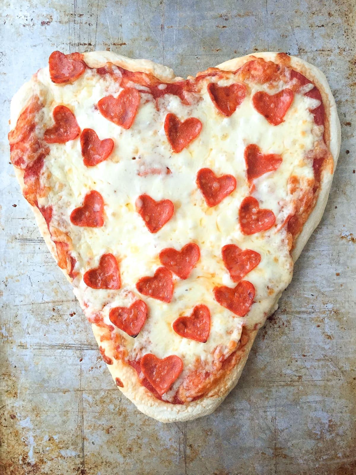 valentine's day heart shaped pizzas + 25 valentine's day ideas, Ideas