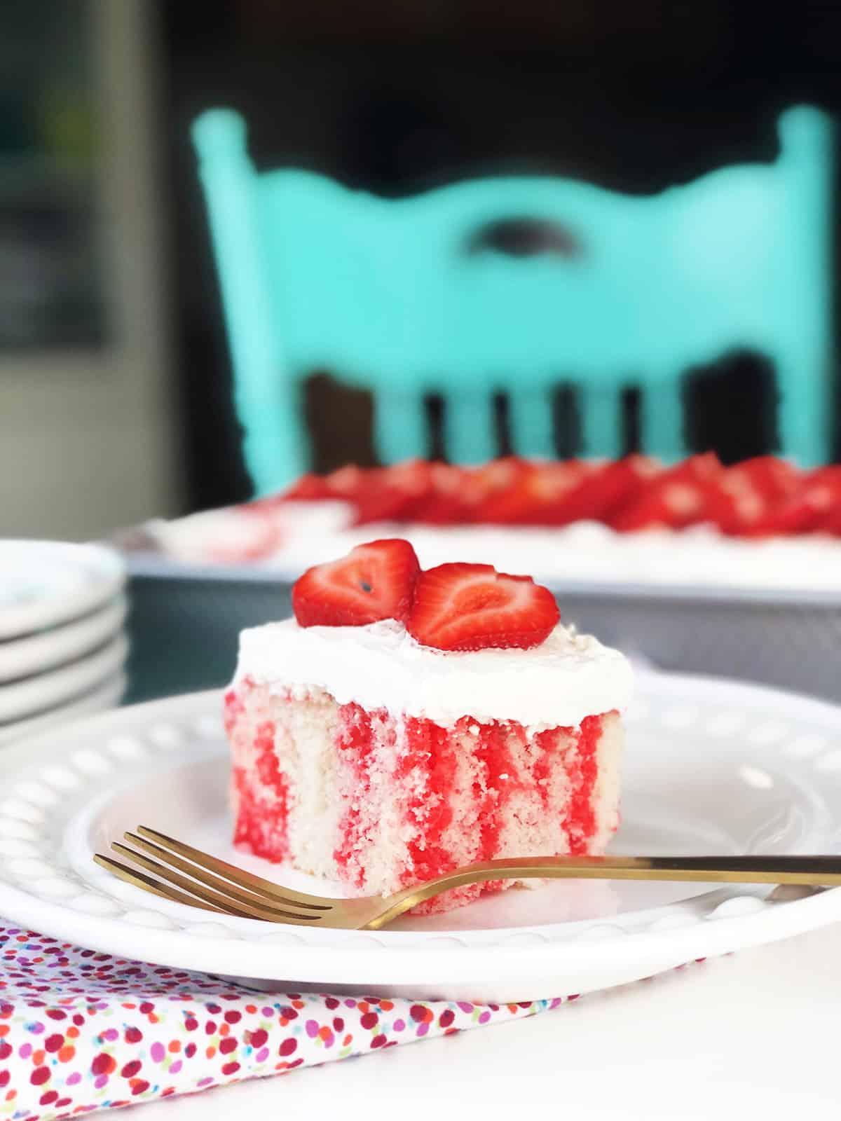 Easy Strawberry Jello Poke Cake Recipe