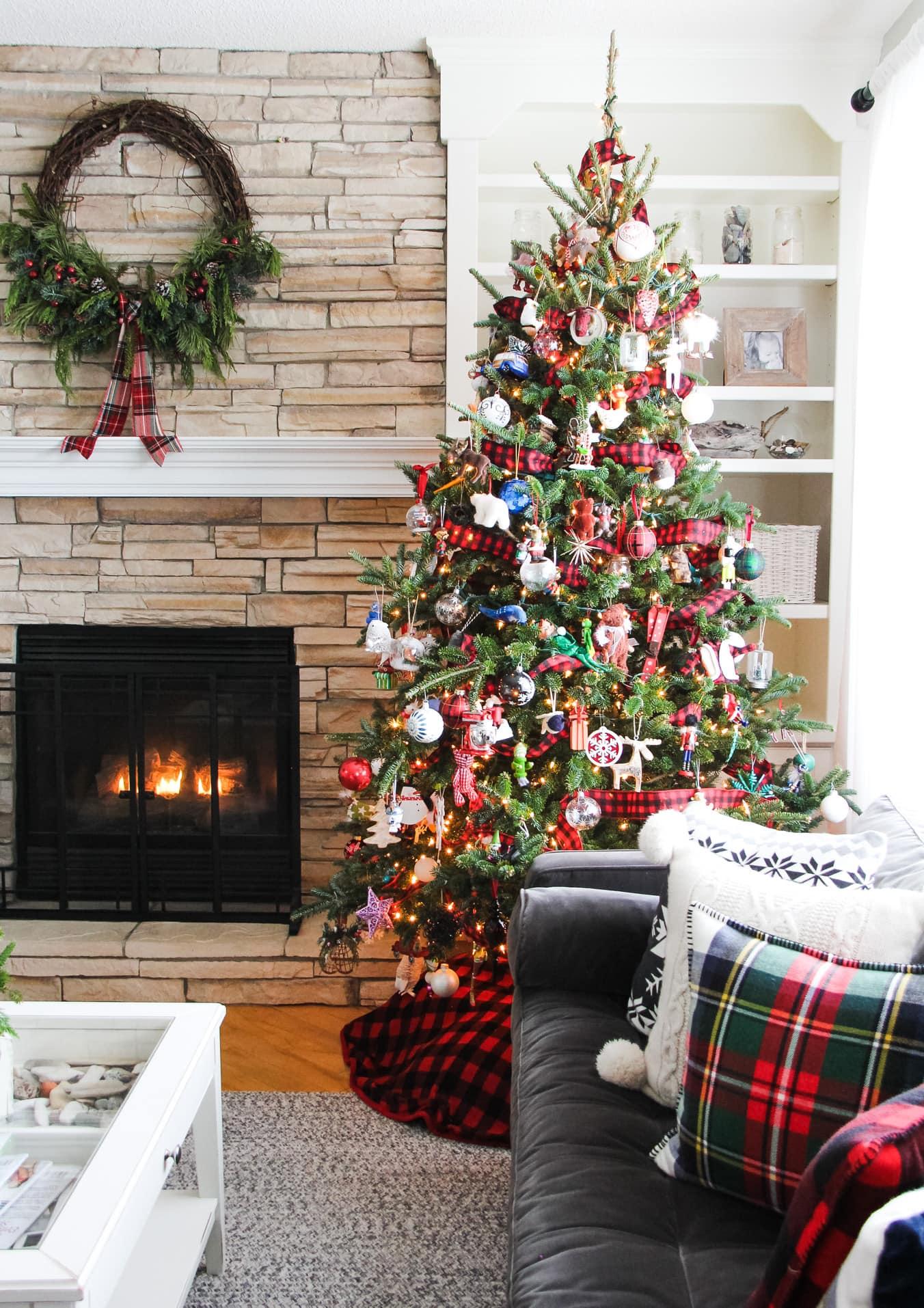 A pretty plaid themed living room for Christmas
