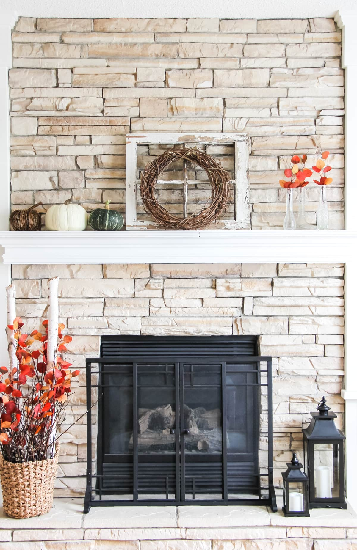 Nice and simple fall mantel decorations!